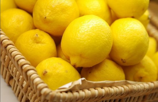 柠檬片泡水减肥法_鲜柠檬片泡水减肥法_图片搜索wwwwoyiduc