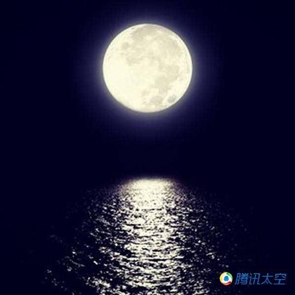 2015年中秋节的超级月亮