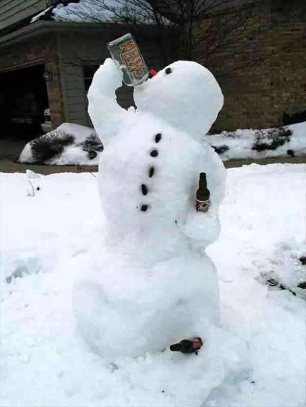 笑死我了,平凉谁把雪人堆得这么逗?